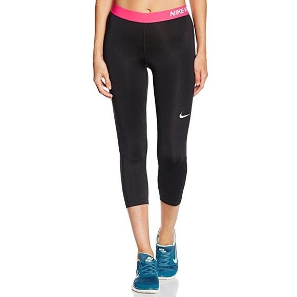 769e71aa Nike Pro Women's Capri Leggings